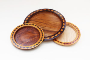 Wooden Round Inlay Tray by The Beehive India